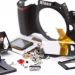 Nikon D40 SLR wird zerlegt